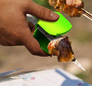 Removing the meat off a skewer with your fork has always been an annoying challenge. These skewer sliders allow you to easily remove the meat from a skewer while keeping control and keeping your fingers clean.