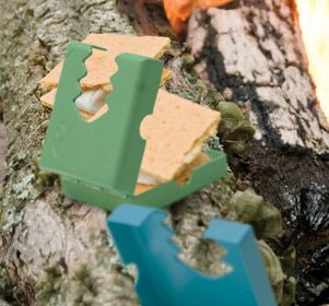 Making smores around the campfire can be a tricky and messy task. The smore maker will hold your graham crackers and chocolate in place when your golden marshmallow is ready to be added. This little unit helps you easily make the perfect smores with one hand.
